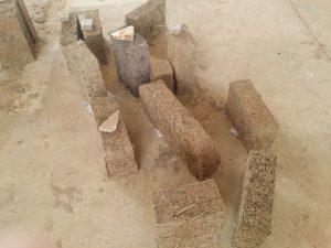 Exemple de briquette de Typha utilisé pour la construction. © H-Sabathie-Akonor - TyCCAO